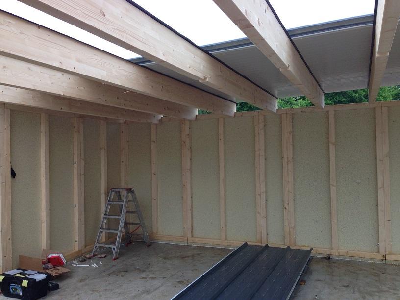 Frisch Ans Werk Montage Der Dachplatten Ansicht Von Innen ...