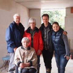Familienbild mit Bauherren