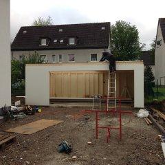 Montage der Dachplatten